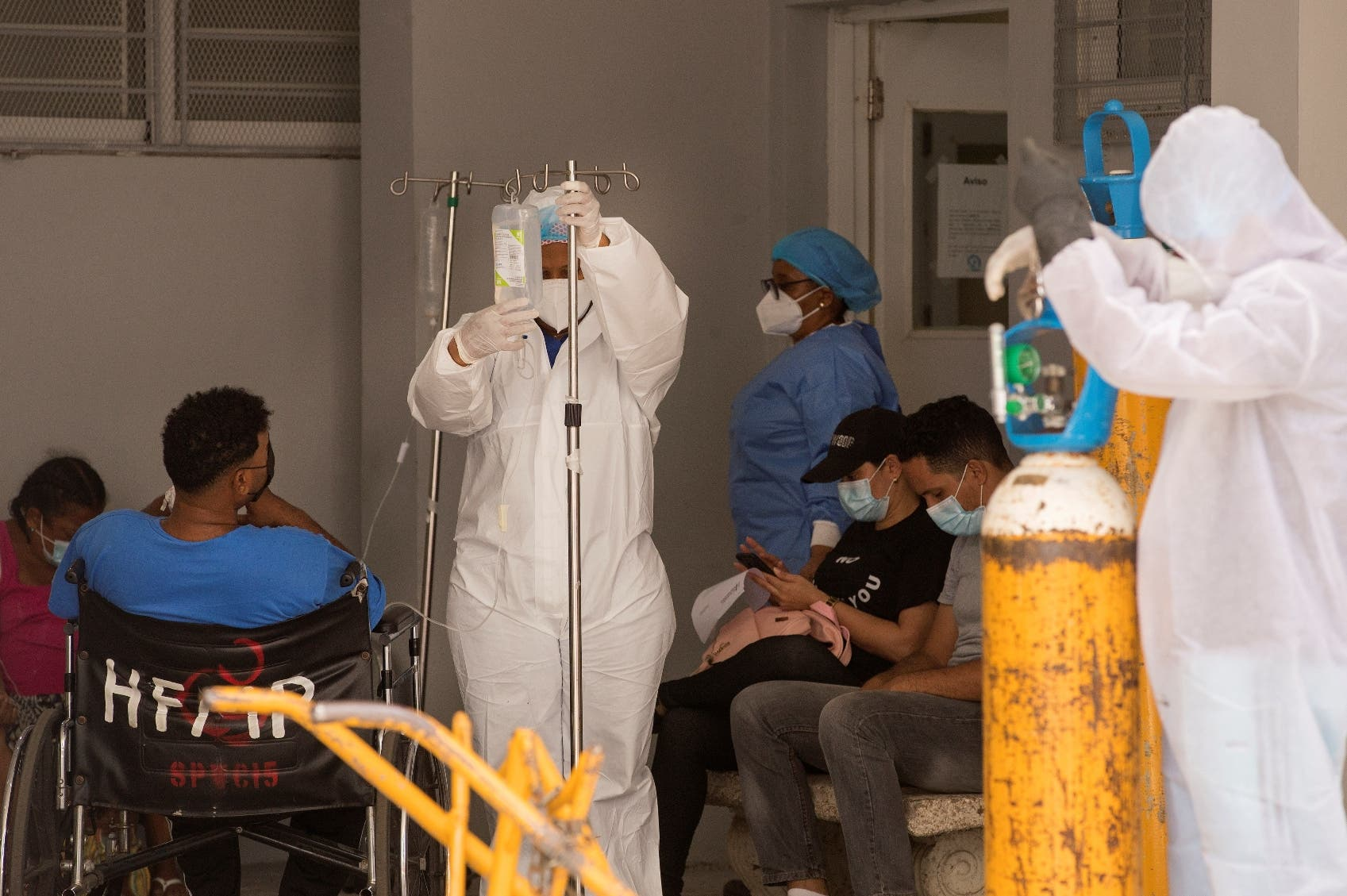 Salud Pública reporta dos fallecidos por coronavirus y 811 casos nuevos
