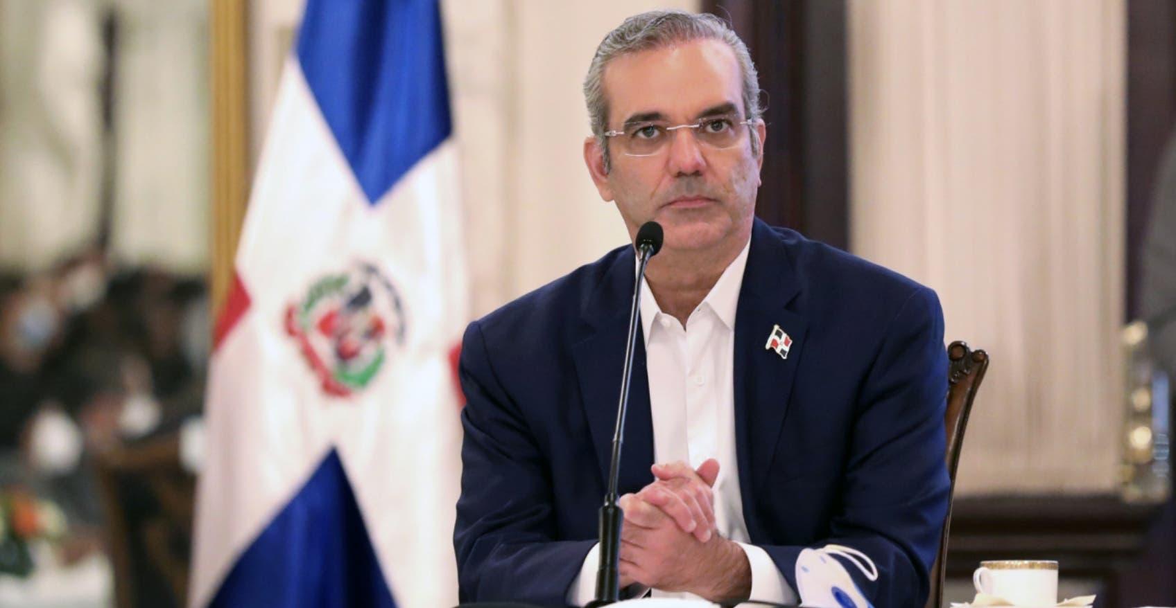 Abinader restringe vía decreto el gasto superfluo del gobierno central