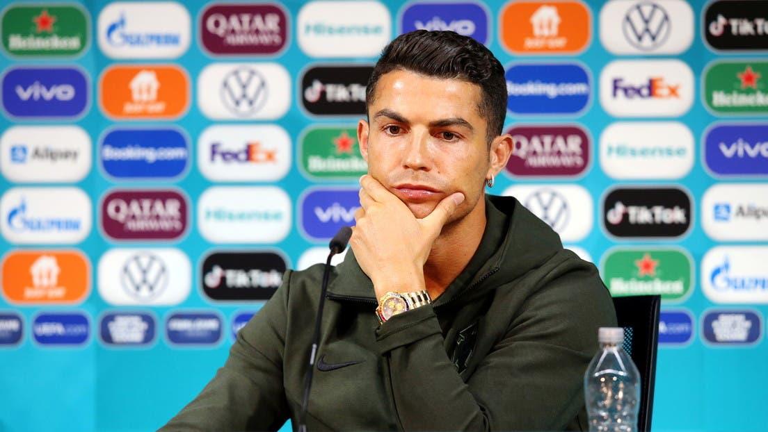 «¡Beban agua!»: Cristiano Ronaldo retira dos botellas de Coca-Cola y las cambia por una de agua
