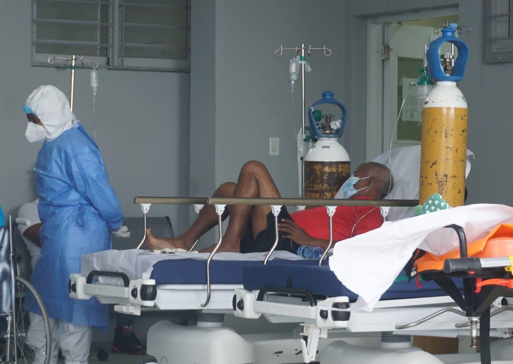 """Salud: """"Pacientes sin vacunar en UCI  tienen más riesgos de morir"""""""