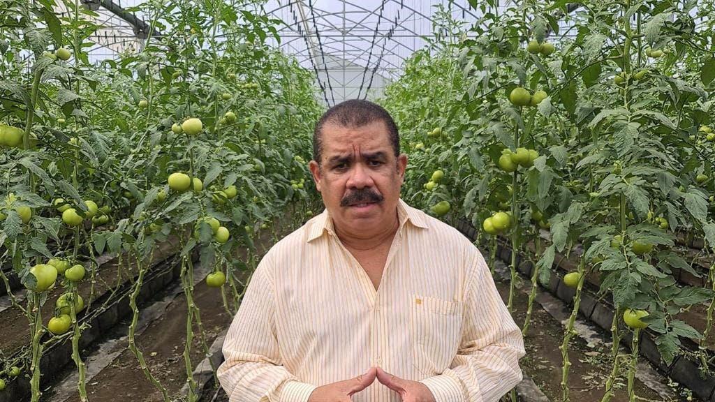 "Sánchez Roa: ""Urge sembrar alimentos en 4 millones de tareas baldías"""