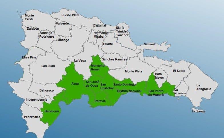 Coe declara alerta verde para ocho provincias por onda tropical