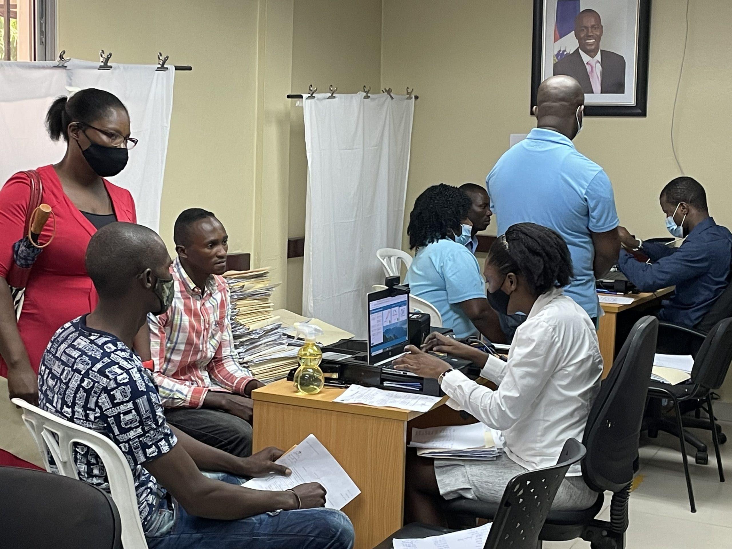 Más de 53, 000 se han registrado en la embajada de Haití y sus consulados para obtener la nueva cédula haitiana