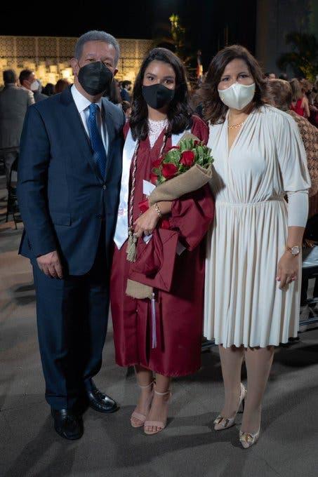 Margarita y Leonel juntos en graduación de Yolanda