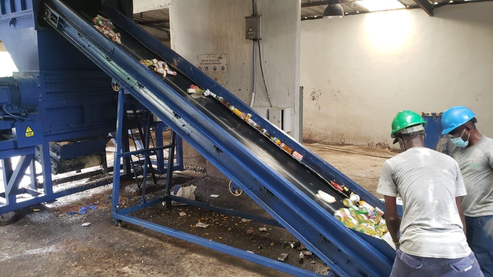Pro Consumidor destruye 12 mil productos dañados tras operativos