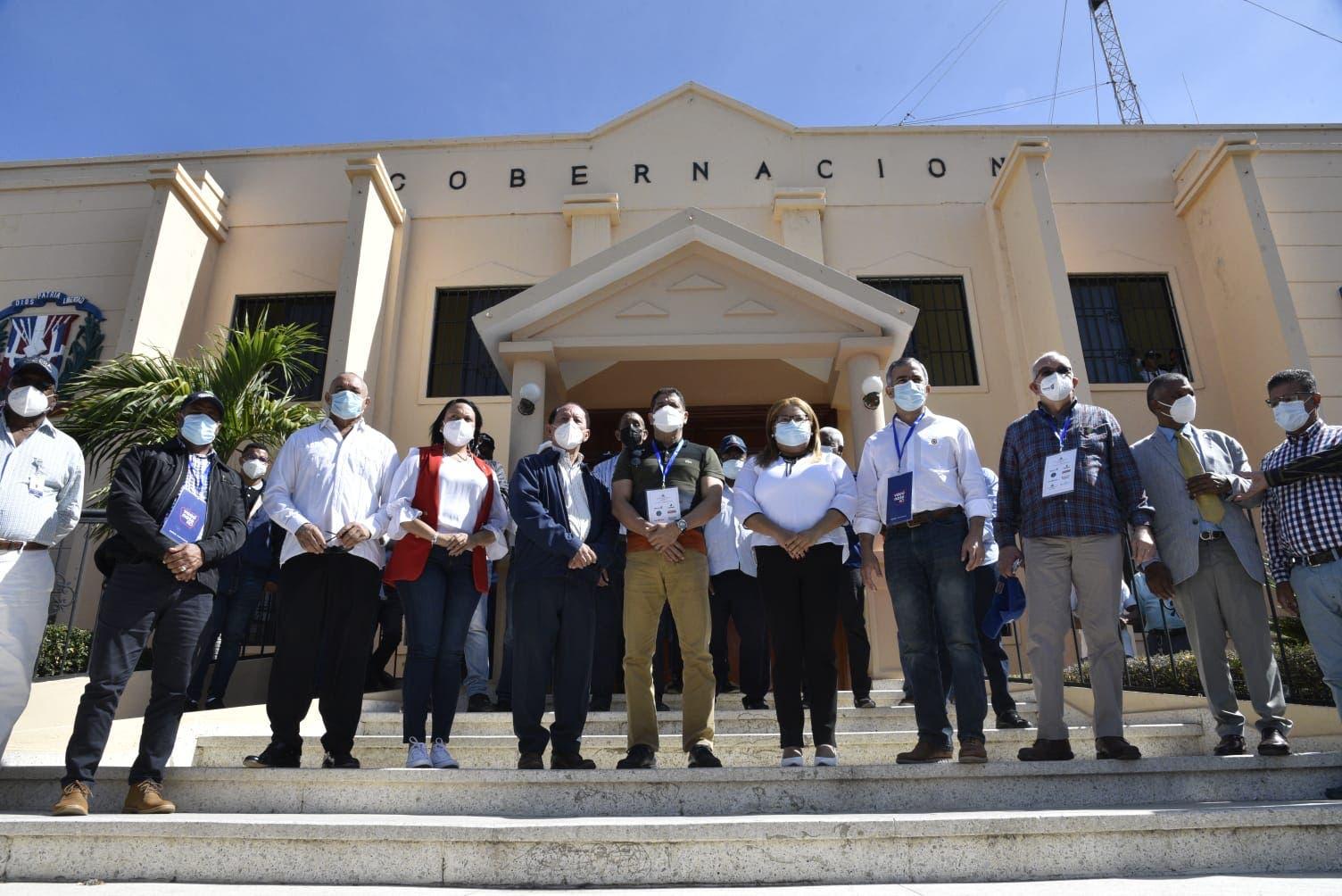 Gabinete Agropecuario apoya  jornada de vacunación contra Covid en Azua