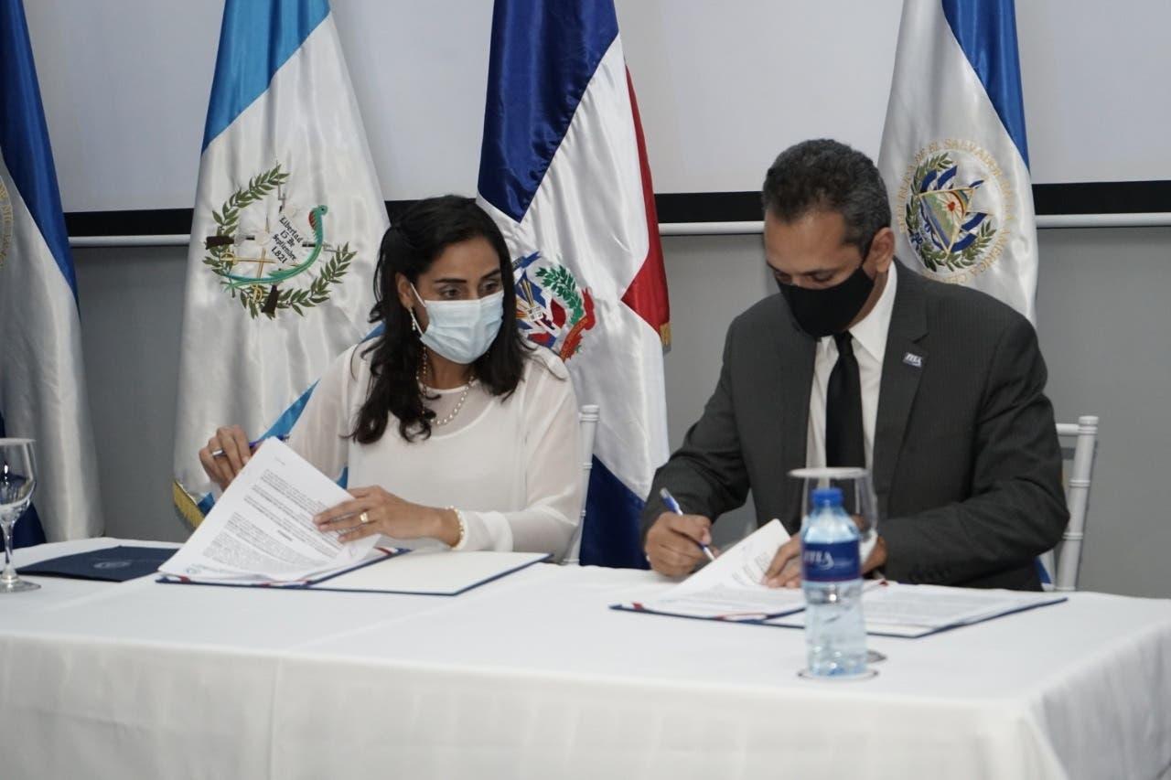 ITLA y Parlamento Centroamericano firman convenio de cooperación tecnológica