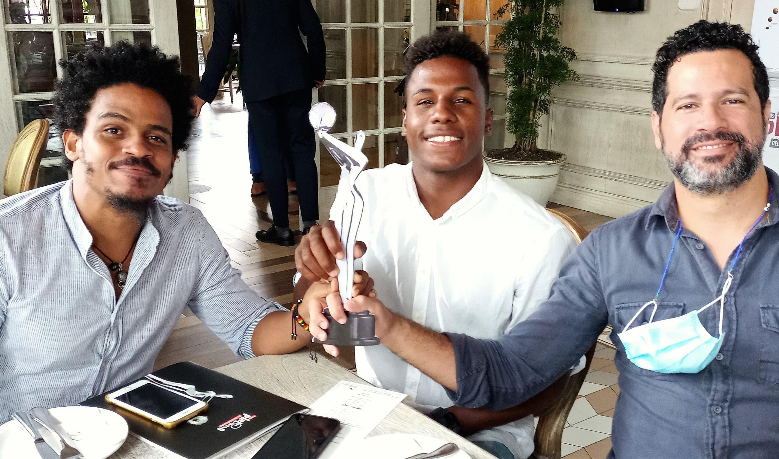 Egeda dominicana agasaja  preseleccionados de  VIII Premios Platino