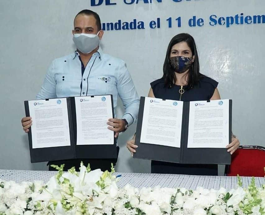 Cámara de Comercio y Producción de San Cristóbal y ProDominicana firman acuerdo