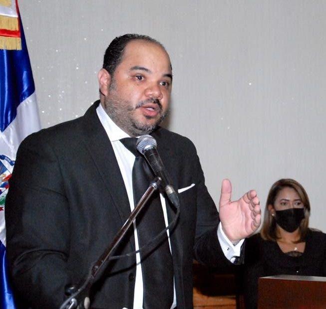 Adam Cáceres pidió a Defensor del Pueblo intervenir para que le den más libertades