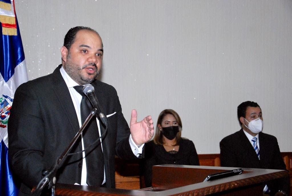 Pablo Ulloa al jurar como nuevo Defensor del Pueblo: Estamos decididos a hacerlo bien