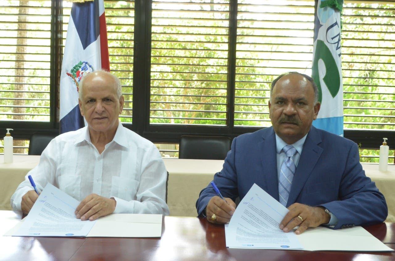 Instituto Agrario y Universidad ISA firman acuerdo; capacitarán parceleros y técnicos de Reforma Agraria