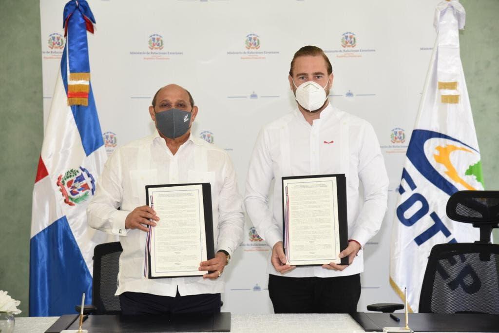 INDEX e INFOTEP firman acuerdo para capacitación que elevará nivel vida de la diáspora dominicana