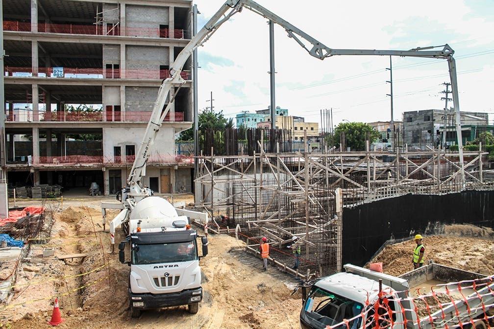 MOPC y Poder Judicial supervisan construcción del nuevo Palacio de Justicia de SDE