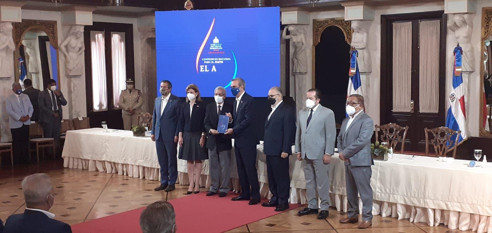 Presidente Abinader encabeza presentación Compromiso para el Pacto por el Agua