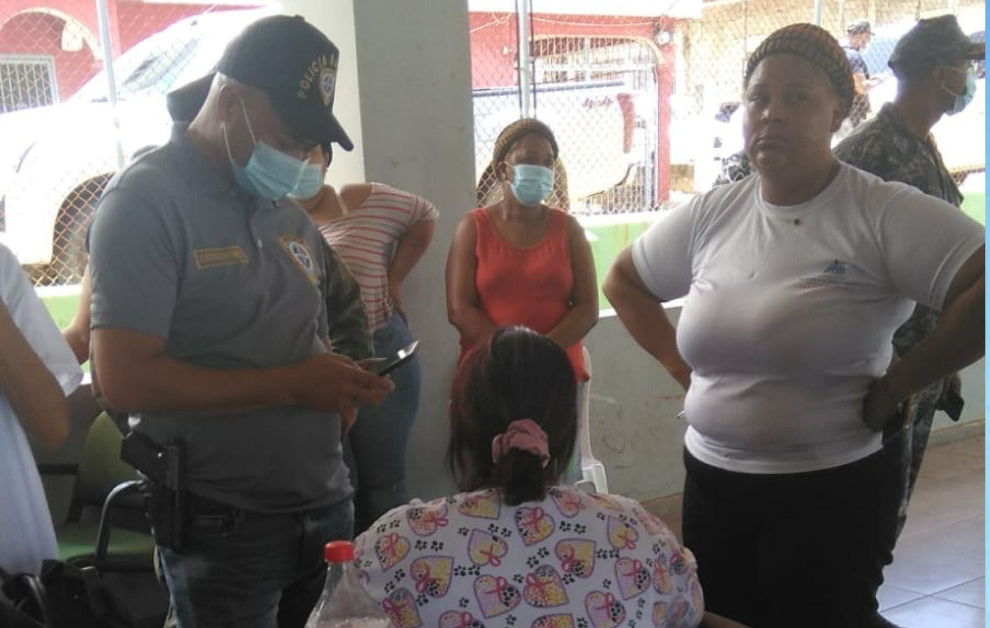 Dos hombres armados asaltan puesto de vacunación y despojan militar de un fusil