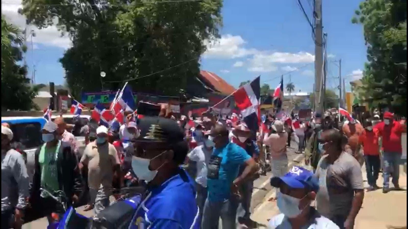 Protestan en Dajabón contra construcción de canal en río Masacre