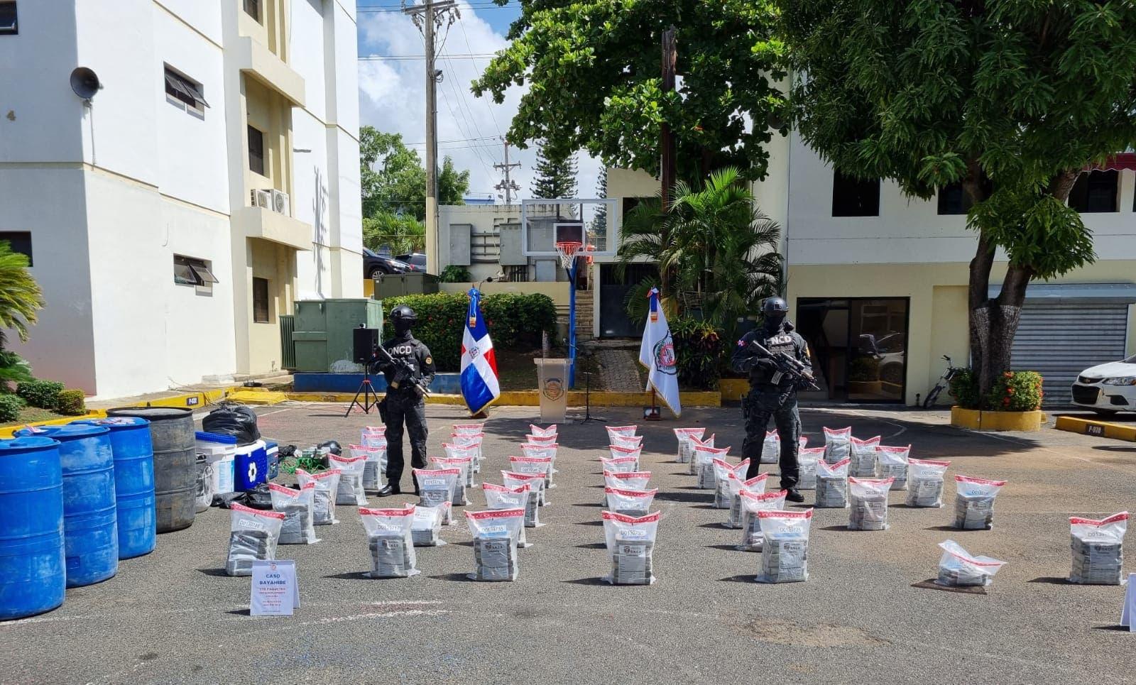 Apresan cuatro colombianos y ocupan 278 paquetes de cocaína en La  Altagracia