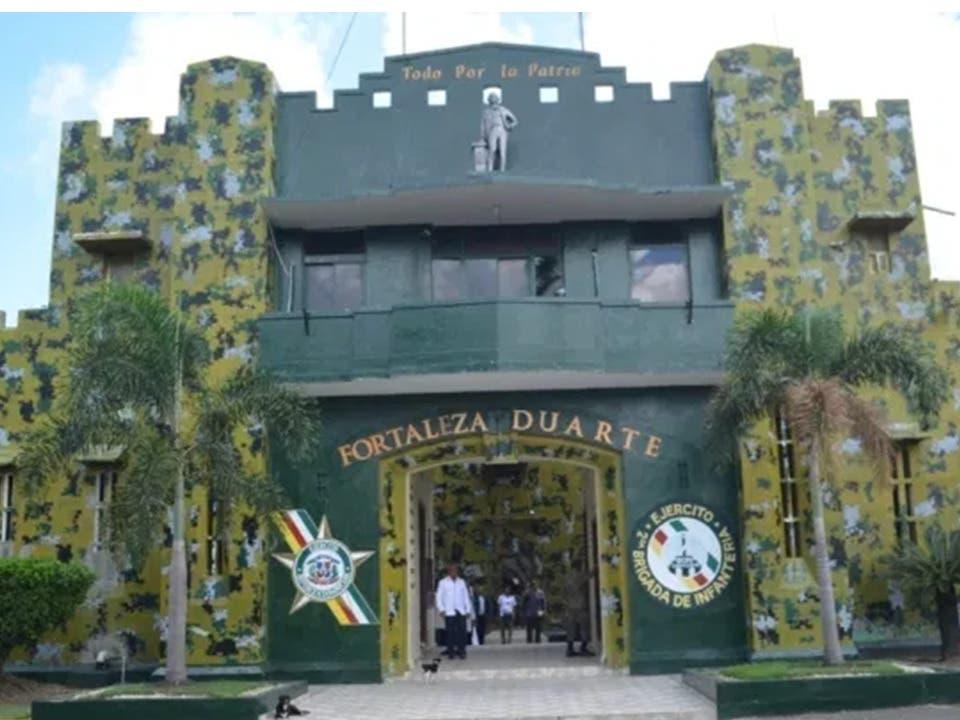 Decomisan pistolas, máquina tragamoneda y celulares tras motín dejó un muerto en Fortaleza Duarte
