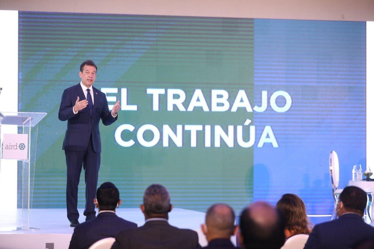 Ito dice RD deja de recaudar tres mil millones de pesos al año por comercio ilícito