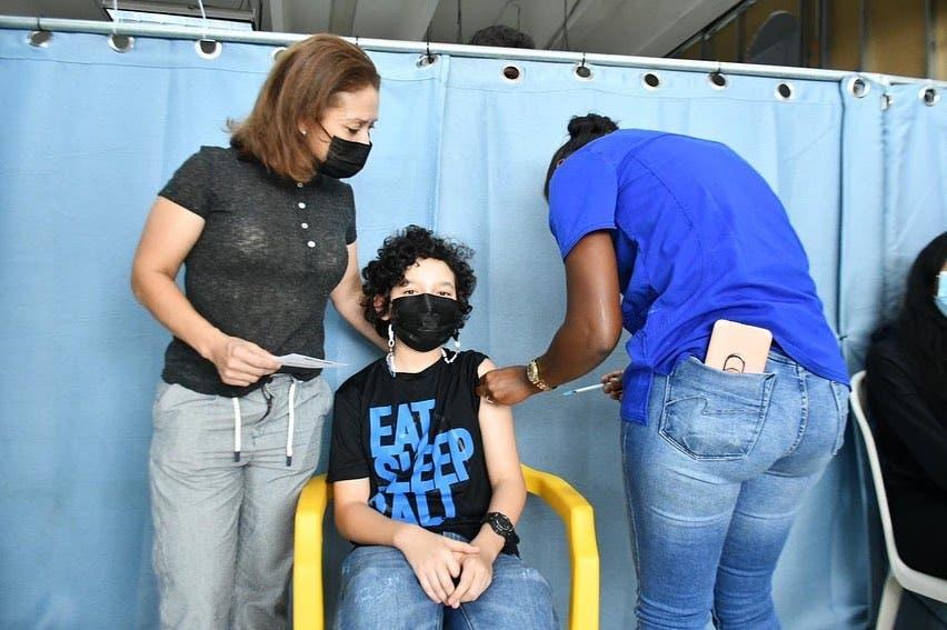 Menores podrían presentar malestares simples tras ser vacunados contra Covid