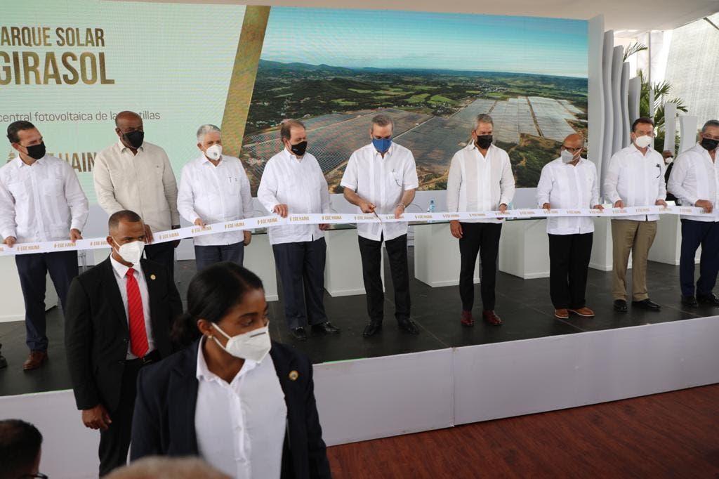 Presidente Abinader encabeza inauguración del Parque Solar Girasol