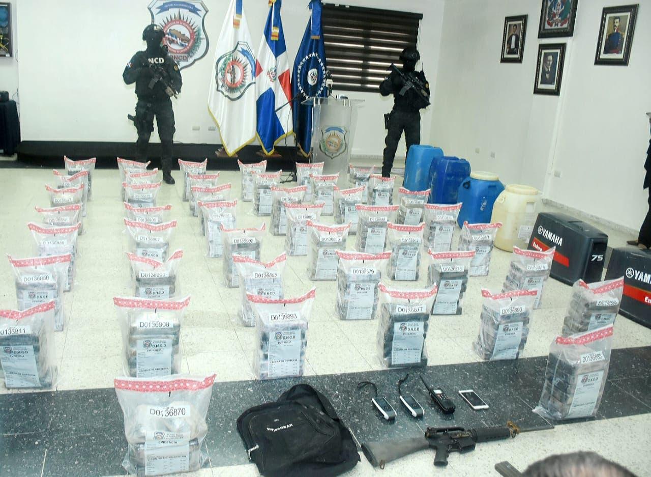 DNCD decomisa 263 paquetes de cocaína en costas de Barahona