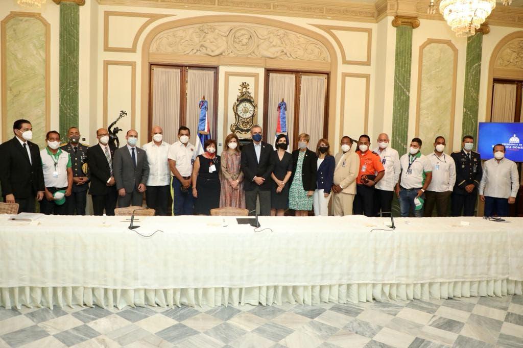 Presidente Abinader reconoce labor de rescatistas del Teleférico de Puerto Plata