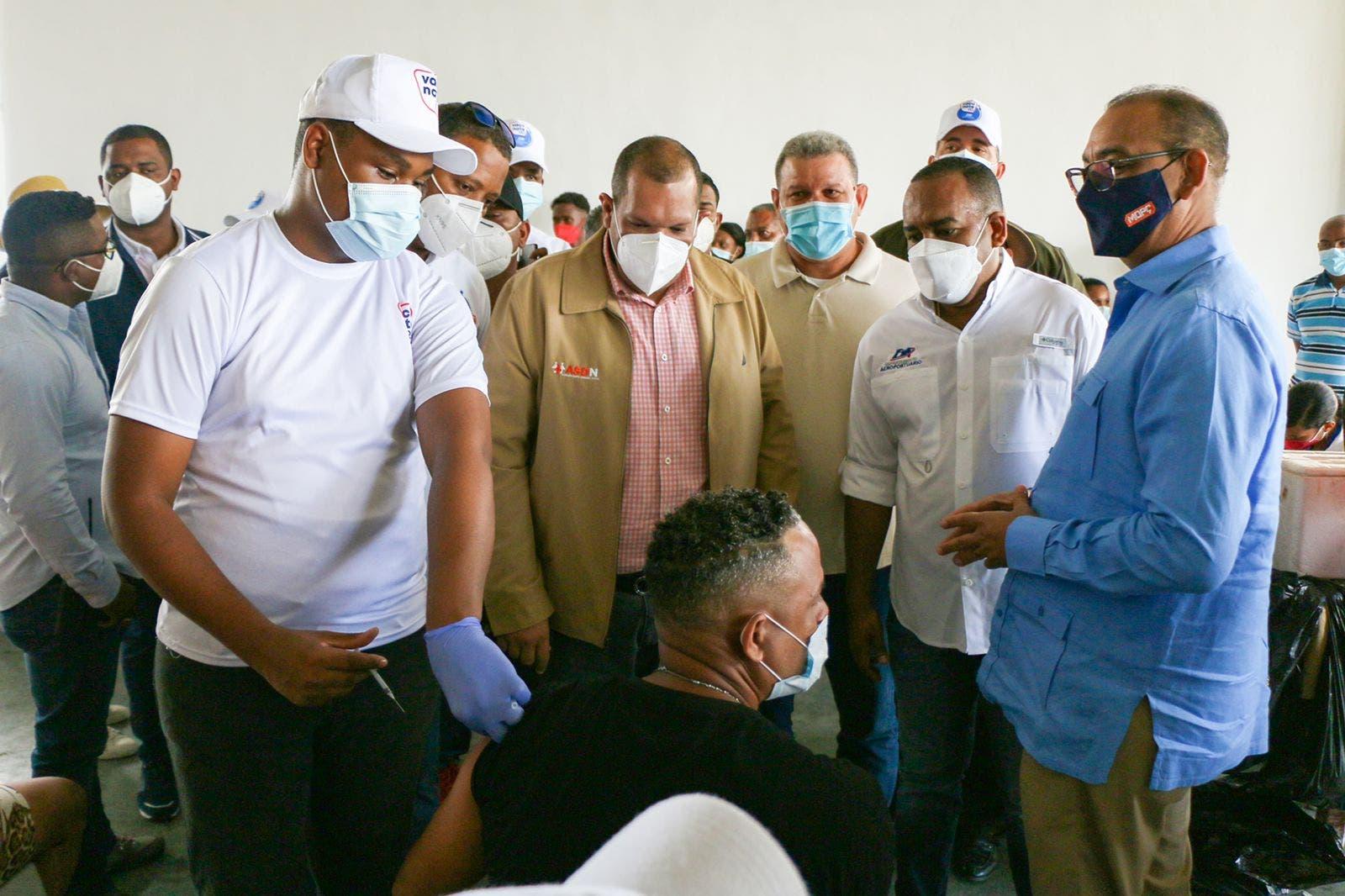 Departamento Aeroportuario resalta impacto de jornada vacunación COVID en SDN
