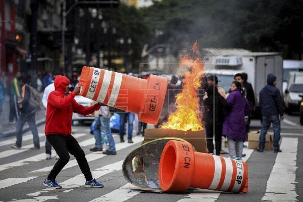 Brasil: Se desata ola de vandalismo tras asesinato de narco «Dadinho»