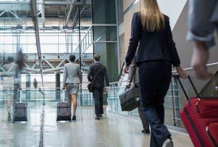 Viajeros que ingresen a Inglaterra desde RD deberán aislarse por 10 días en un hotel designado y pagar gastos