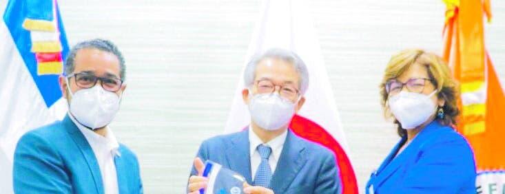 Defensa Civil reconoce a embajador de Japón