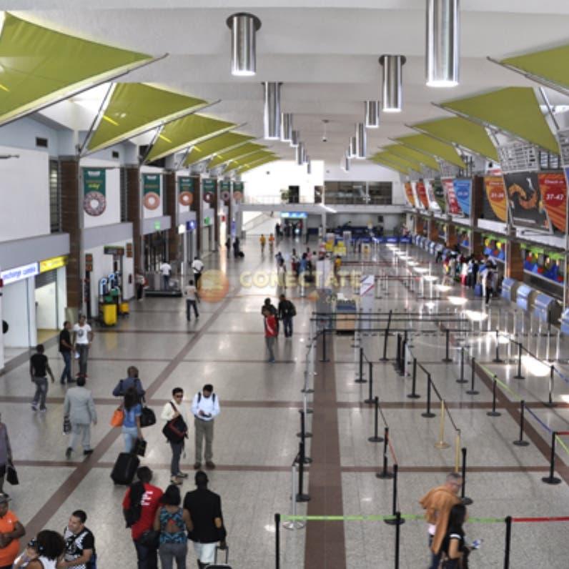 Aeroportuaria rectifica resolución