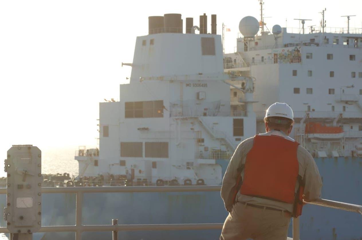AES recibe primer barco de gas natural verde en la región