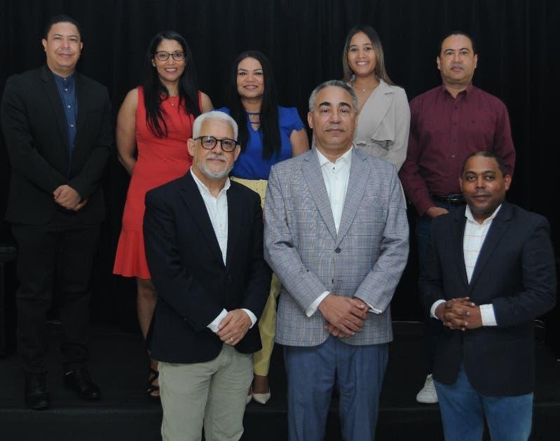 Crean Academia de Periodistas  de Espectáculos