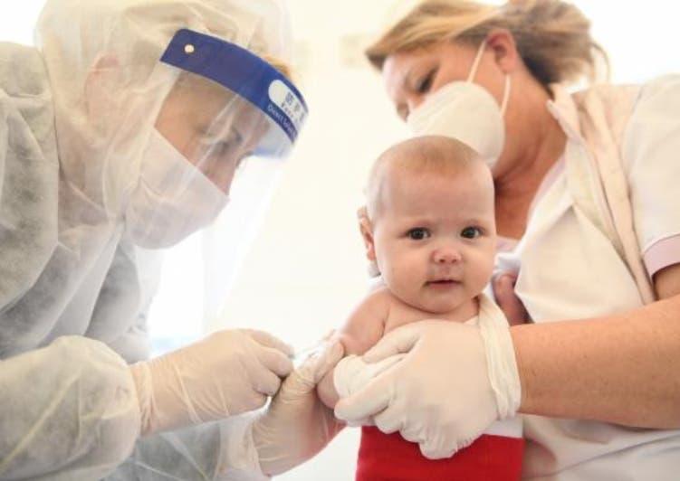 Expertos instan retomar rutina de vacunación