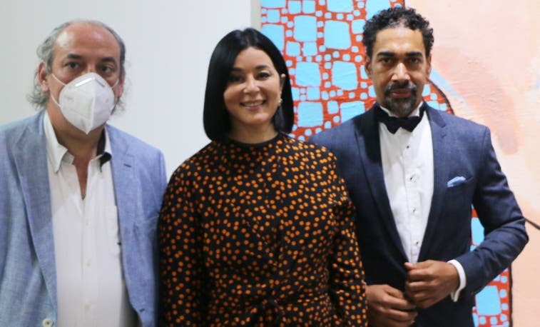"""Firma Oscar Abreu exhibe  """"Los moñitos de Joselyn"""" en  la galería Cristina Iturrioz"""