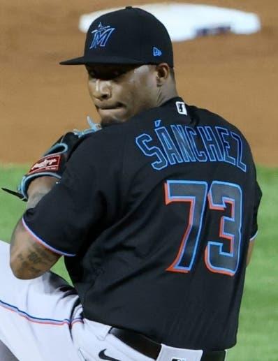 Lanzador dominicano Sixto Sánchez será operado y no volverá  este año