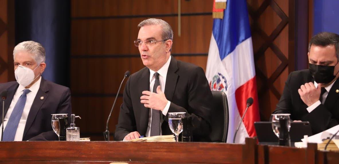 Abinader felicita a Pedro Castillo tras ser proclamado presidente de Perú