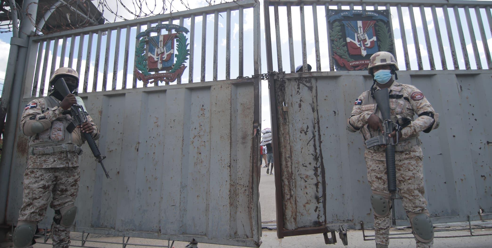 Entre patriotismo y trabajo, militares fronterizos subsisten con lo mínimo