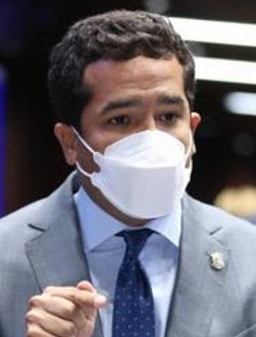 Omar  Fernández pide plazos para cesar estados de emergencia