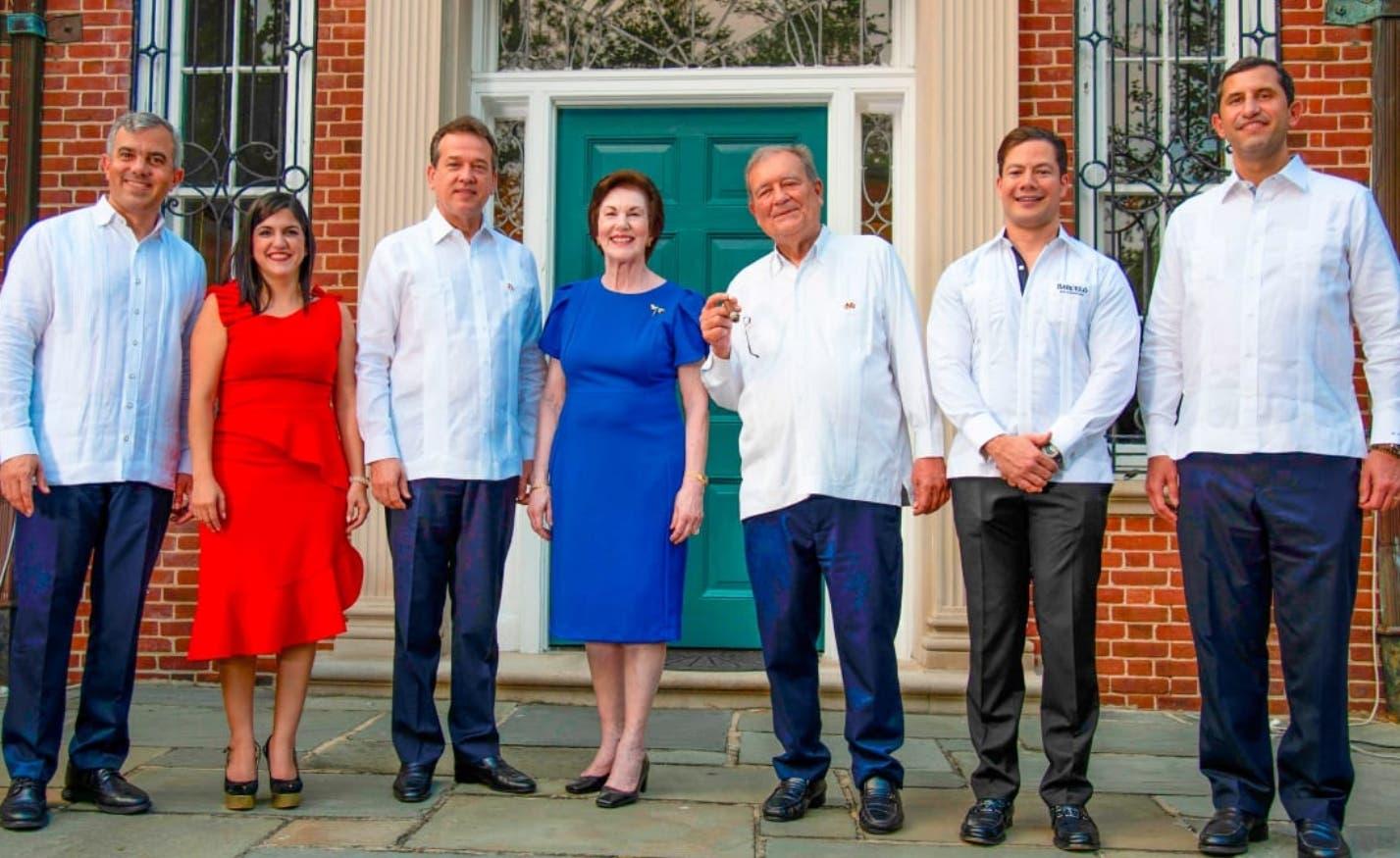 Embajada promueve  en Washington ron y cigarros dominicanos