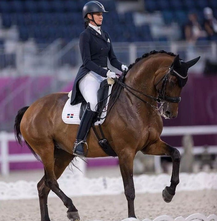 Yvonne Losos queda 22 en adiestramiento ecuestre olímpico
