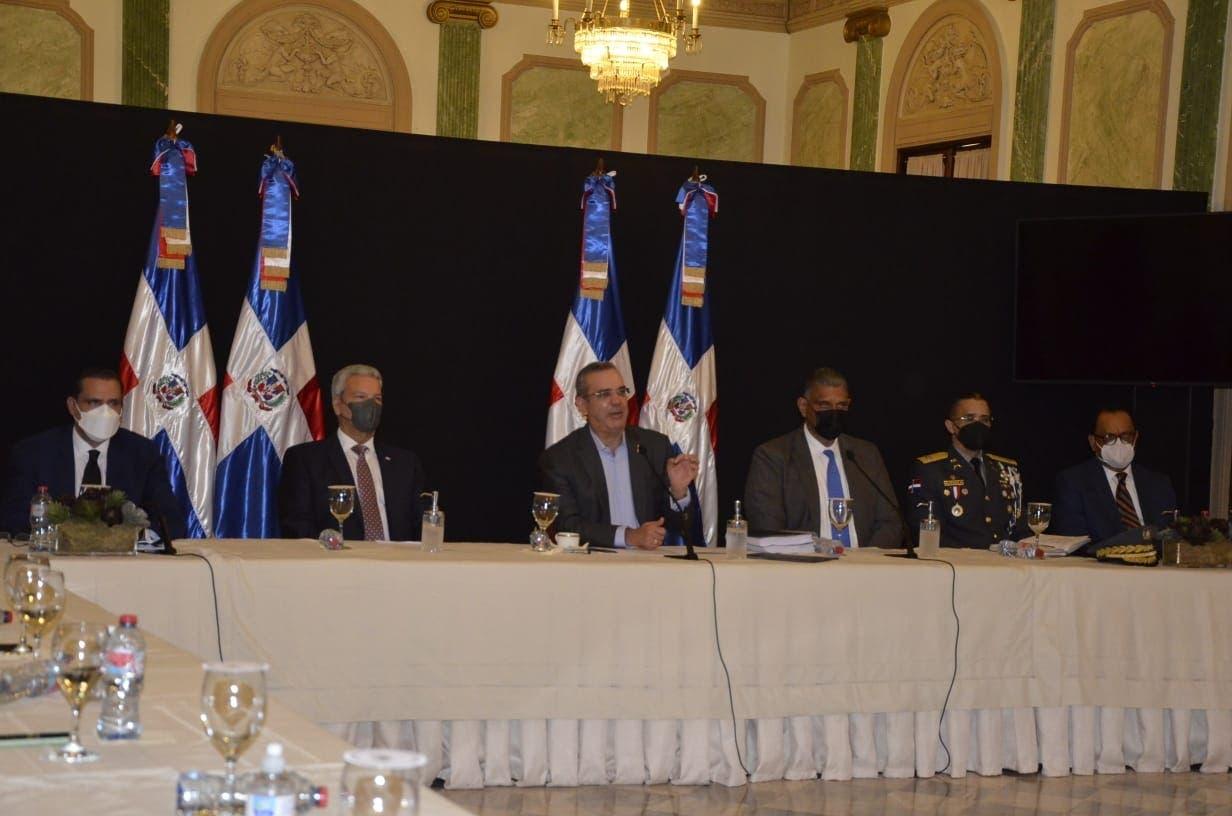 Comisión recomienda al Ejecutivo cambios en áreas normativas, administrativas y organización de la Policía