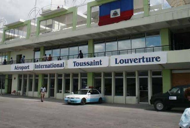 Haití reabrirá el aeropuerto de Puerto Príncipe y normalizará los vuelos