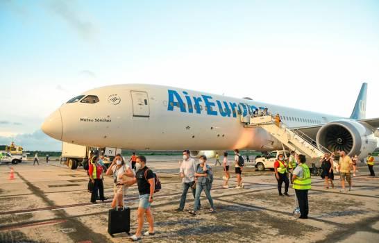 AirEuropa conecta primer vuelo entre Madrid y Samaná