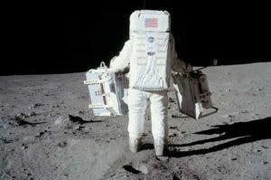 Primeros pasos del hombre en la Luna