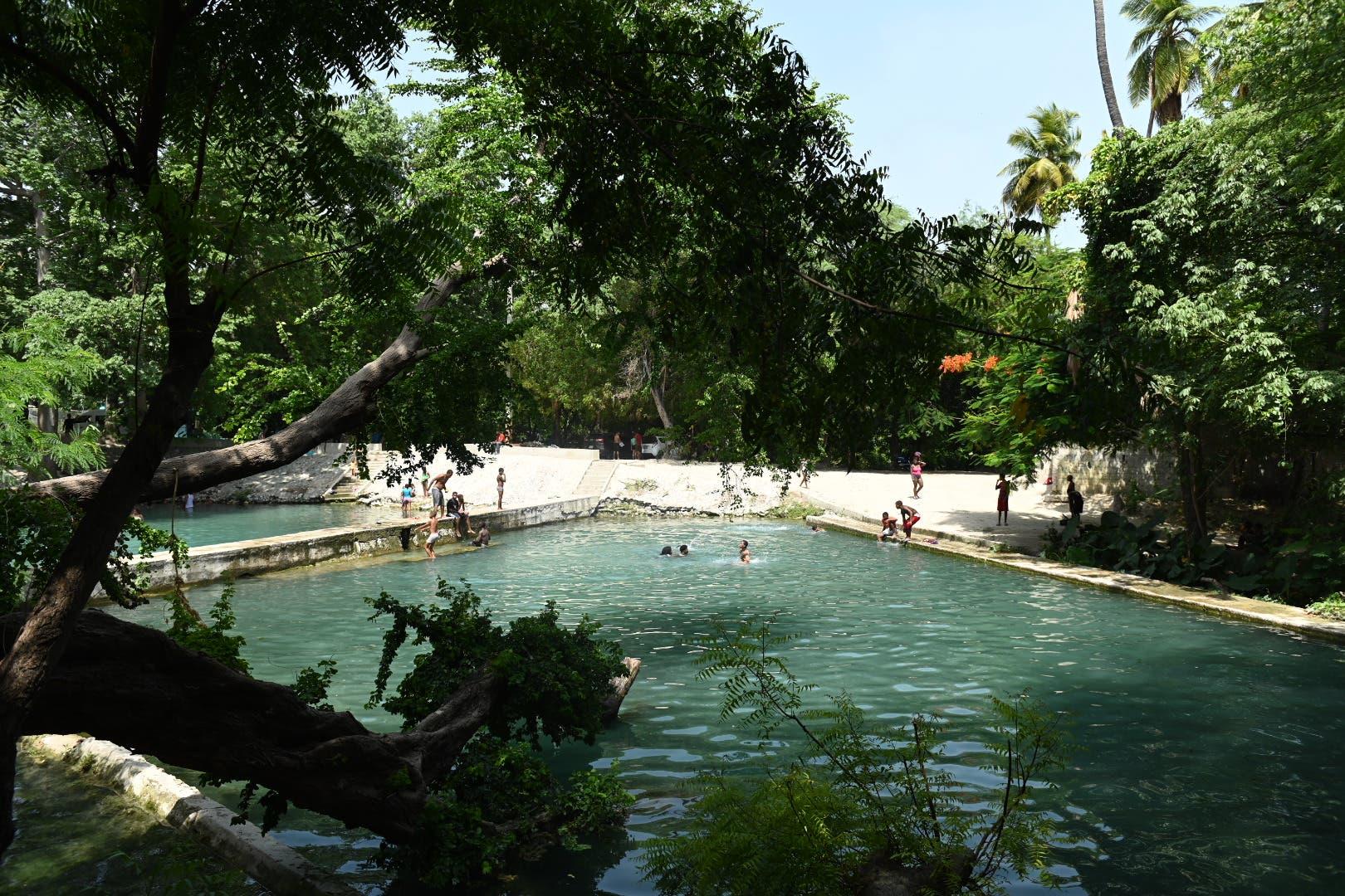 Ministerio de Turismo interviene los balnearios Las Marías y La Ceiba en Bahoruco