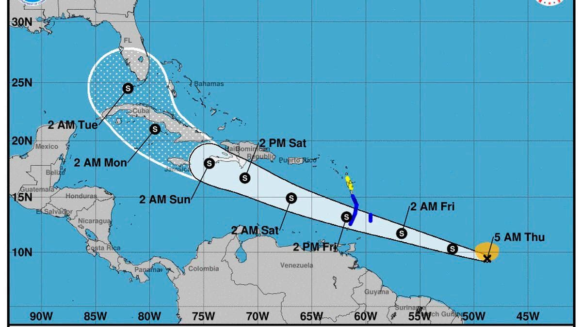 Tormenta Elsa estará cerca de la costa sur de RD el sábado