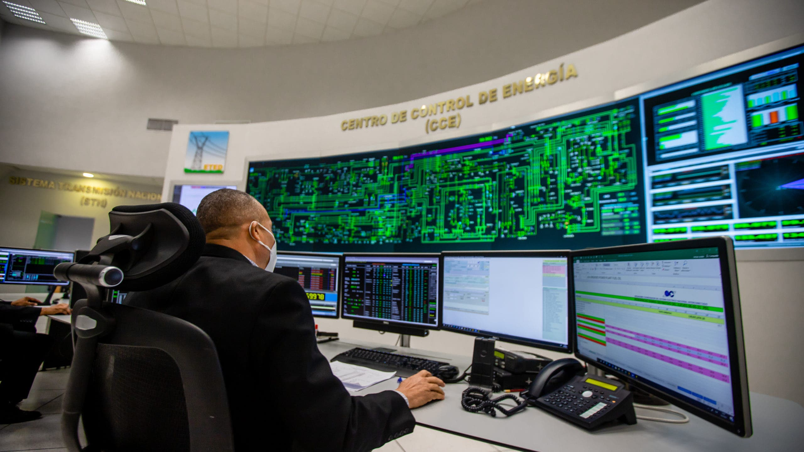 ETED activa plan de contingencia para mantener sistema eléctrico ante paso del huracán Elsa
